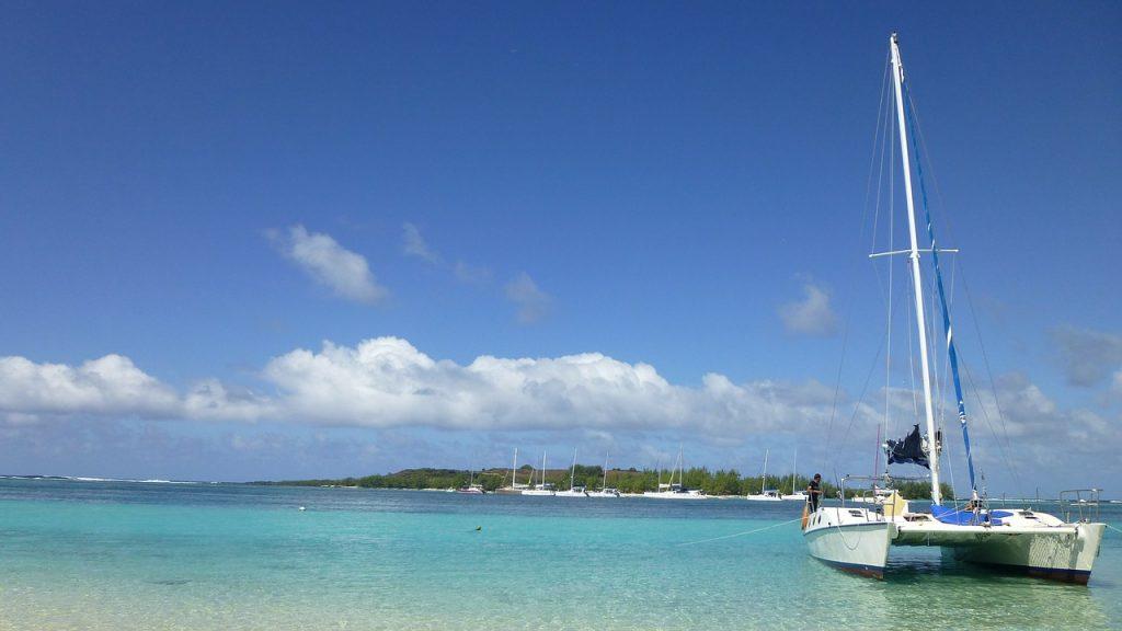 Mauricio catamarán