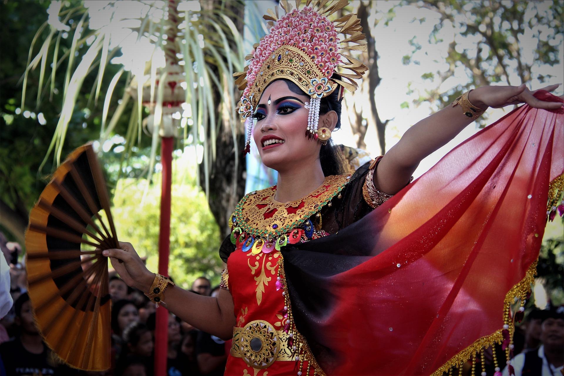 danza balinesa en un viaje de novios espectacular